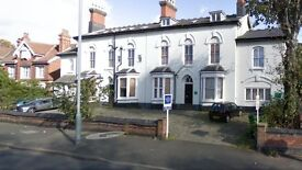 REGIONAL HOMES ARE PLEASED TO OFFER:NEWLY REFURBISHED LARGE 1 BED STUDIO, H-WORTH WOOD, DSS ACCEPTED