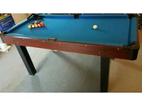 Pool / Table tennis table