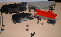 Vintage 1960s Lionel Train : Locomotive, Caboose,