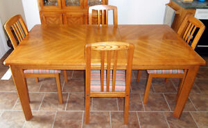 Dining Set in solid Oak Table/4-Chairs and Full Cabinet for sale