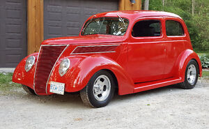 1937 Ford Tudor Street Rod