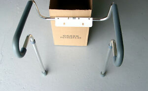 Toilet Seat Risers, hand rails - excellent condition (new)
