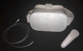 Oculus GO 64gb. With Controller and Micro USB charger lead.