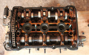 2001 Volkswagen VW Passat Right Cylinder Head Valvetrain Cams Va Stratford Kitchener Area image 1