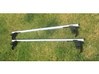 Roof bars & feet to suit Ford Focus III from April 2011 onwards