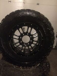 "4 mag 18"" +4tire 35"" pour Ford 1700$"