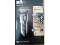 braun shaver & lots of accessories series 9 9296cc. Great fathers day gift!