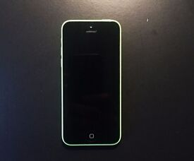 iPhone 5C LOCKED O2 - 32GB in excellent condition