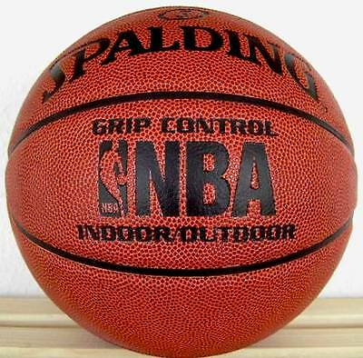 Spalding NBA Grip Control IN/OUTDOOR Basketball 7