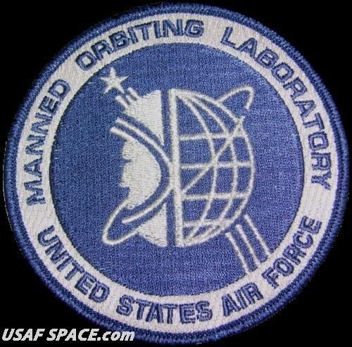 "MOL MANNED ORBITING LABORATORY - UNITED STATES AIR FORCE - 4"" USAF SPACE PATCH"