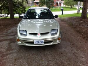 Pontiac Sunbird LX Sedan lowlow K...one owner..