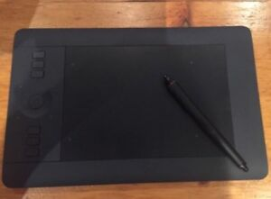 Wacom Intuos pro drawing pad BARELY USED