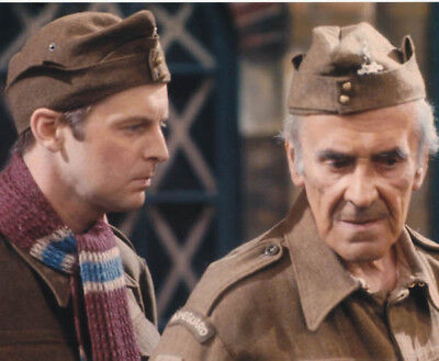Ian Lavender and John Le Mesurier UNSIGNED photo - K8611 - Dad's Army