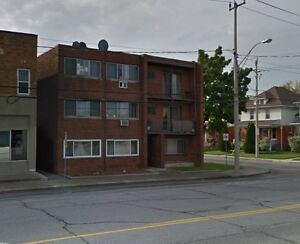685 UNIVERSITY W, WINDSOR ONTARIO