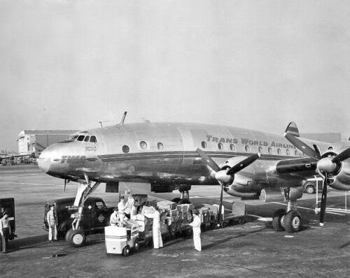 "TWA Lockheed Constellation ((8.5""x11"")) Print"
