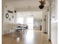 2 bedroom flat in Dunsfold Court, Blackbush Close, Sutton, SM2