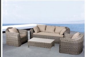 4 piece outdoor lounge quality++++++ Valentine Lake Macquarie Area Preview