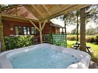 Log cabin in Yorkshire for romantic retreat with private hot tub