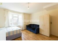 THREE DOUBLE BEDROOM STYLISH FLAT in Holloway with a PATIO GARDEN *PERFECT FOR STUDENTS*