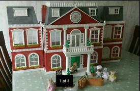 Sylvanian Families Grand Hotel in box
