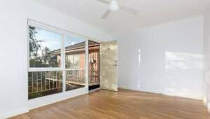 RENOVATED, LIGHT-FILLED 1 BEDROOM APARTMENT