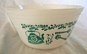 Vintage Federal Milk Glass White Mixing BOWLS