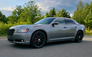 2012 Chrysler 300S AWD HEMI Fully Loaded