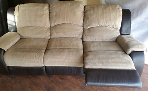 Clean Recliner couch, 180$ Delivery 50$ professionally steam cle