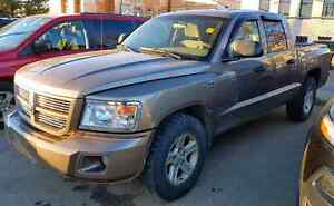 2010 DODGE DAKOTA MAGNUM V8 4X4!! **GREAT CONDITION!!!**
