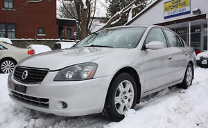 2006 Nissan Altima 2.5 automatic***low 102k km and rust free