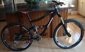 "2010 Jamis Dakar SixFifty B2 17"" Medium XC Full Suspension"
