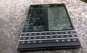 MINT 64GB BLACKBERRY PASSPORT+Accessories+ANDROID APPS