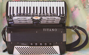 WANTED: MEN'S ACCORDION IN GOOD CONDITION