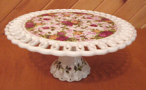 Royal Albert 'Old Country Roses' footed cake stand