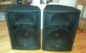 Pair of Yorkville YX15p Powered Speakers in Great Shape!