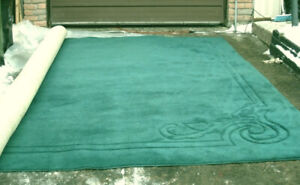 X- Large 12' X 13' Dark Green thick Area Rug in good quite clean