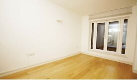 Double Room, High Street Kensington, Earl's Court, Notting Hill, Central London, all bills included.
