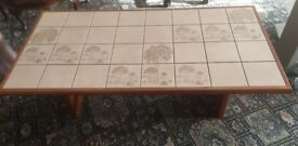 Solid-Vintage styled tiled coffee table