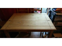 SOLID WOODEN TABLE 4 KITCHEN DINING ROOM STUDY 4 CHAIRS STUDENTS LETTING TENANTS LANDLORDS LODGINGS