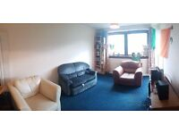 Spacious 2 bedroom flat (off Queen Margaret Drive) near Glasgow Uni