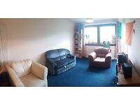 Spacious 2 bedroom flat (off Queen Margaret Drive) near Glasgow Uni