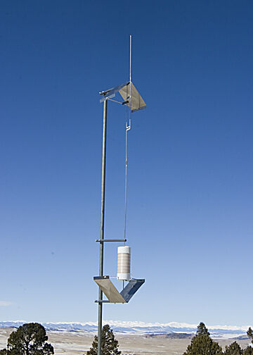 Isotron ISO-AMB-200 - AM Broadcast Band Antenna. 1.600 - 1.799 MHz.
