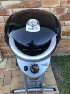 Char-Broil Patio Bistro 240 1-Burner BBQ, used