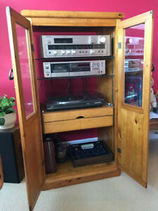 Vintage Stereo System With Cabinet