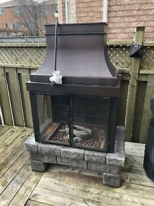 Used 50,000-BTU Stone Composite Outdoor Propane Fireplace $320