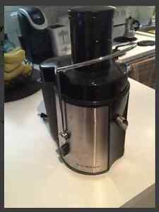 Big Boss Juicer 8123 - JUICE TIME!