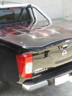 Nissan NP 300 hard cover
