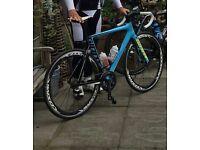 Superb Giant Propel carbon race bike.REDUCED.