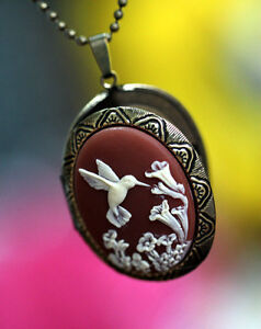 Attractive-Hummingbird-and-Wild-Flowers-Locket-Pendant-Necklace-Top-Quality
