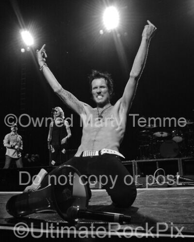 SCOTT WEILAND PHOTO STONE TEMPLE PILOTS 11x14 Inch Concert Photo by Marty Temme